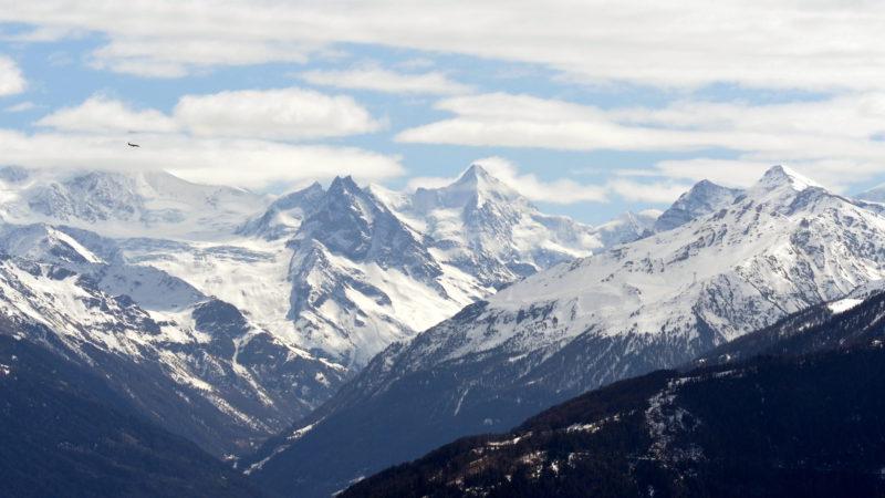 Snowy mountains landscape 2, Switzerland -Virginie Suys Photo Canvas HD