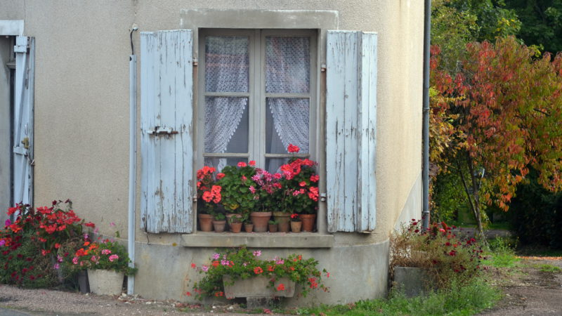 Little house in Saint Verain, Burgundy, France -Virginie Suys Photo Canvas HD