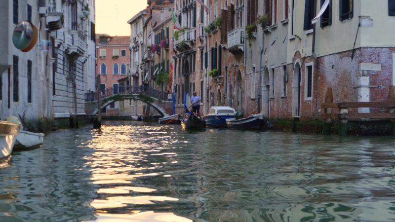 Venecian Canal, Italy - Virginie Suys Photo Canvas HD